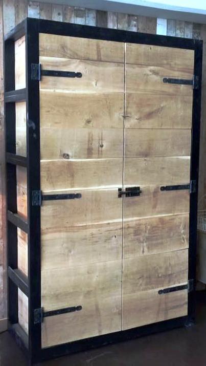Eikenhouten Kast Met Zwart Frame K38 Meubels Op Maat Online