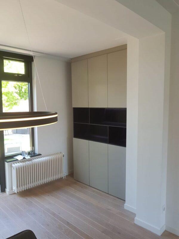 Inbouwkast- / wandkast op maat (K64)